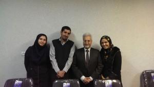 عکس اعضای گروه کلید با دکتر احمد روستا