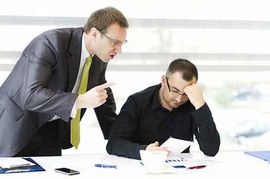 بررسي و شناسایی اثرات ميزان شايستگي مديران و تحليل رفتگي شغلي کارکنان در سازمان