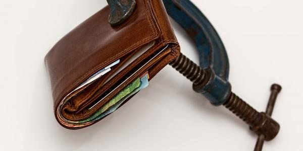فروش در دوران رکود - فروش بیشتر و جذب مشتریان محتاط